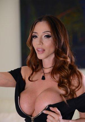 Latina Tits Pics